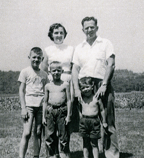 a family photo of the Groff family from 1949, a few years before Frank Groff started R.F. Groff, Inc.